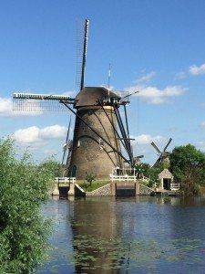 Die Windmühlen in Kinderdijk gehören zum UNESCO-Weltkulturerbe (Bild Stieger)