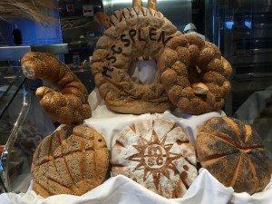 Täglich eine grosse Brotauswahl im Pago Pago (Bild Stieger)