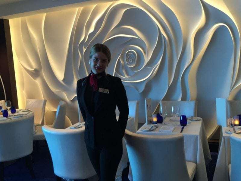 Unsere freundliche Empfangsdame im Restaurant Blu (Bild Stieger)