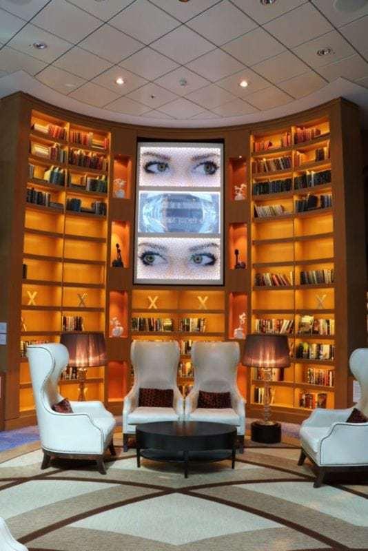 Die Reflection verfügt noch über eine grosse Bibliothek (Bild Stieger)