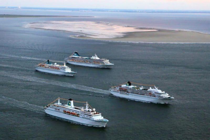 Flottentreffen der vier Phoenix-Kreuzfahrtschiffe (Bild Phoenix Reisen)