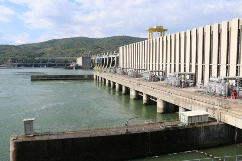 Die 12 Turbinen und Generatoren von Djerdap 1 produzieren jährlich 11'500 Millionen Kilowatt Stunden Strom