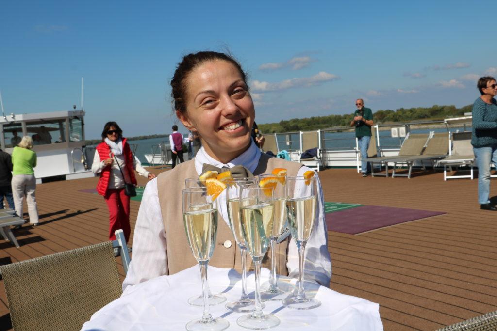 Die Ankunft im Donau Delta muss natürlich auf der Amadeus Silver I gefeiert werden