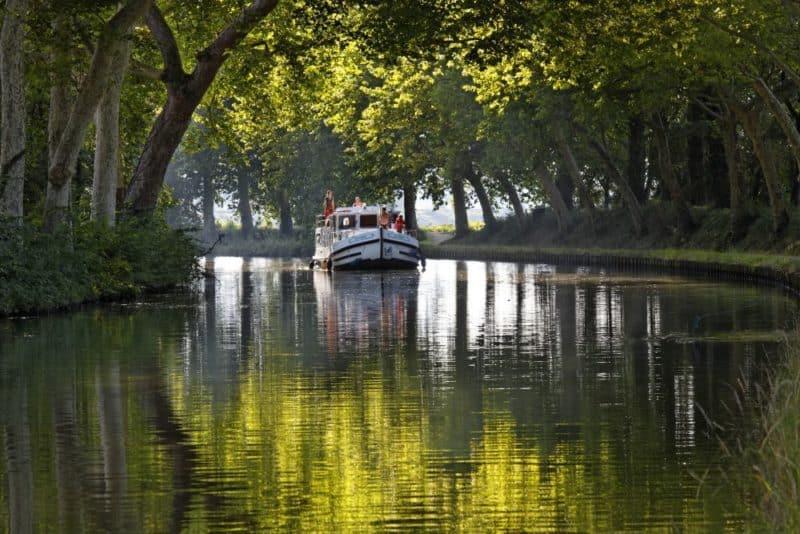 liebe an bord urlaub f r zwei auf dem hausboot stiegers kreuzfahrten tipps. Black Bedroom Furniture Sets. Home Design Ideas