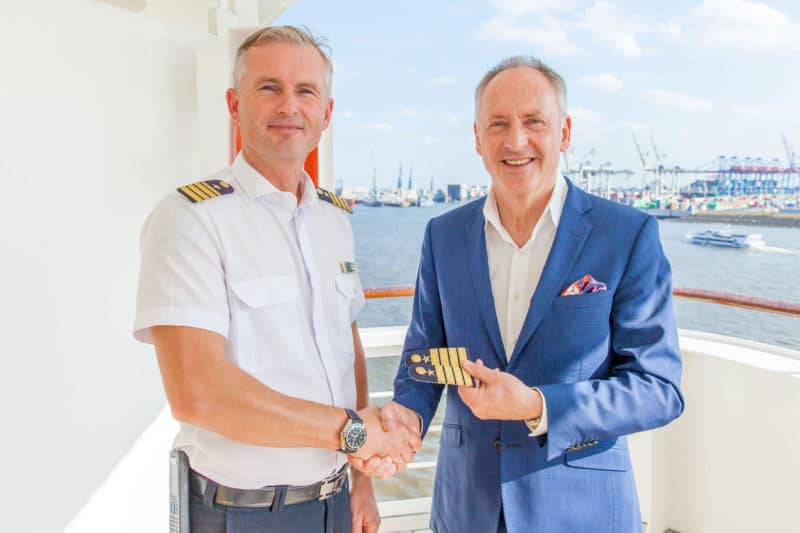 Ulf Sodemann übernimmt das Kommando als Kapitän der MS Bremen