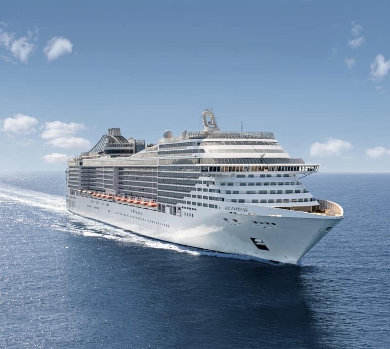 MSC Fantasia verlängert Aufenthalt in Neapel