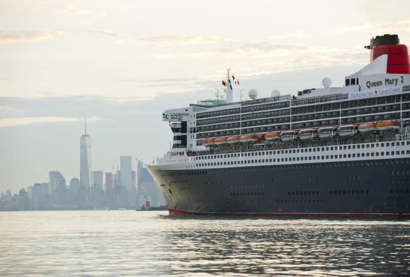 Queen Mary 2 und Queen Victoria kombinieren